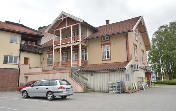 25. Jernbanegt. 1; Krosbygården