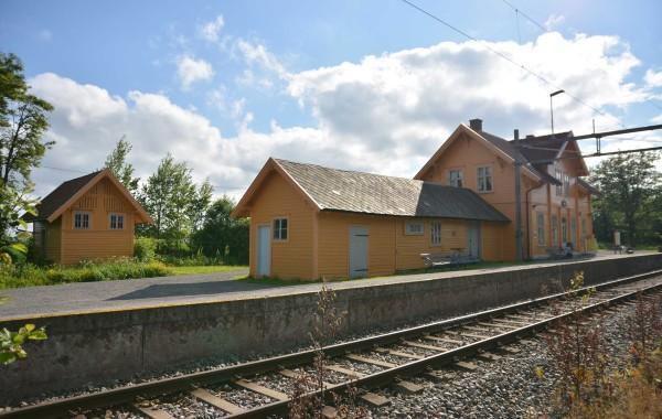 49. Tenorveien 145; Slitu stasjon